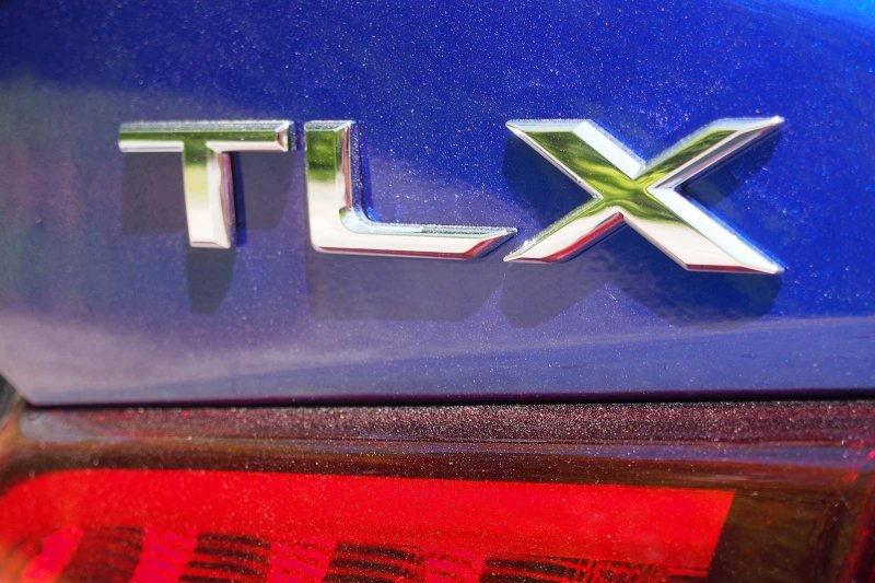 2018-Acura-TLX-A-Spec-Badge-04.jpg